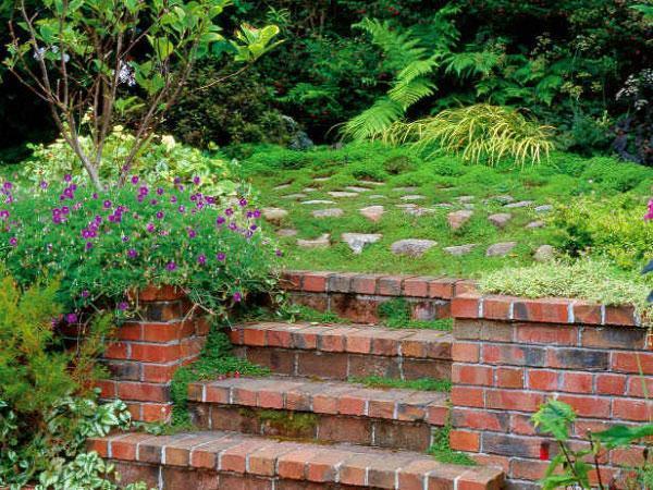 Lựa chọn gạch lát sân vườn như thế nào