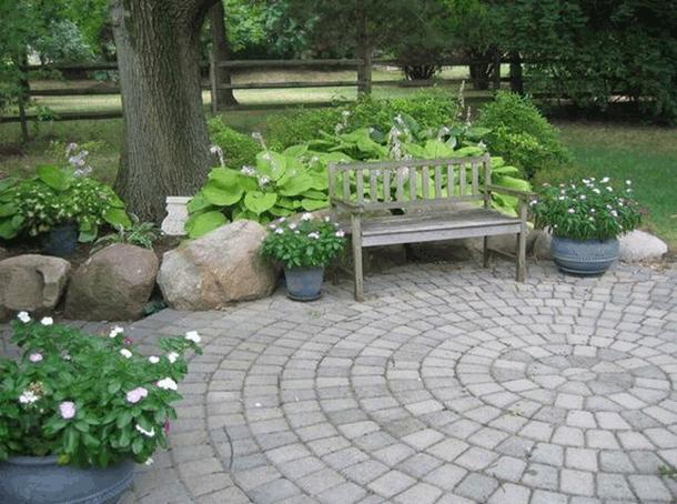 Mẫu lát sân vườn kiểu hình tròn