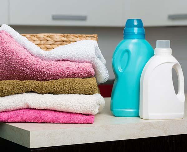 giặt quần áo thơm lâu bằng tay