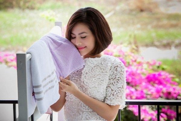 Bật mí cách giặt quần áo thơm lâu bằng tay và máy giặt