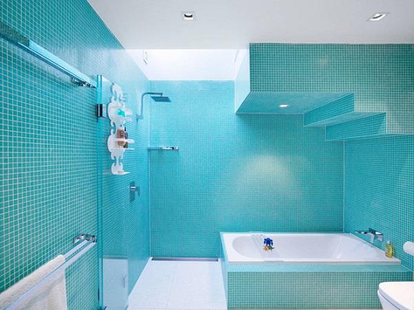 Gạch ốp tường màu xanh cho nhà tắm trẻ trung